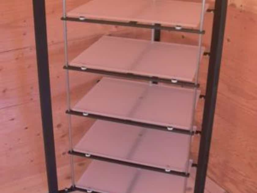 pARTicular, reference isolation platform TRIANGLE with six shelves