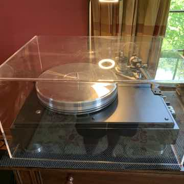 VPI Classic Signature Turntable with 3D tonearm, periph...