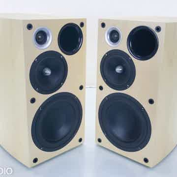 BD 750 Bookshelf Speakers