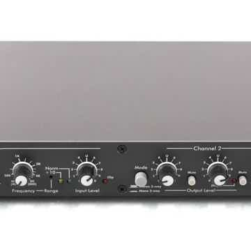 XR-1001 Stereo 2-Way / Mono 3-Way Crossover