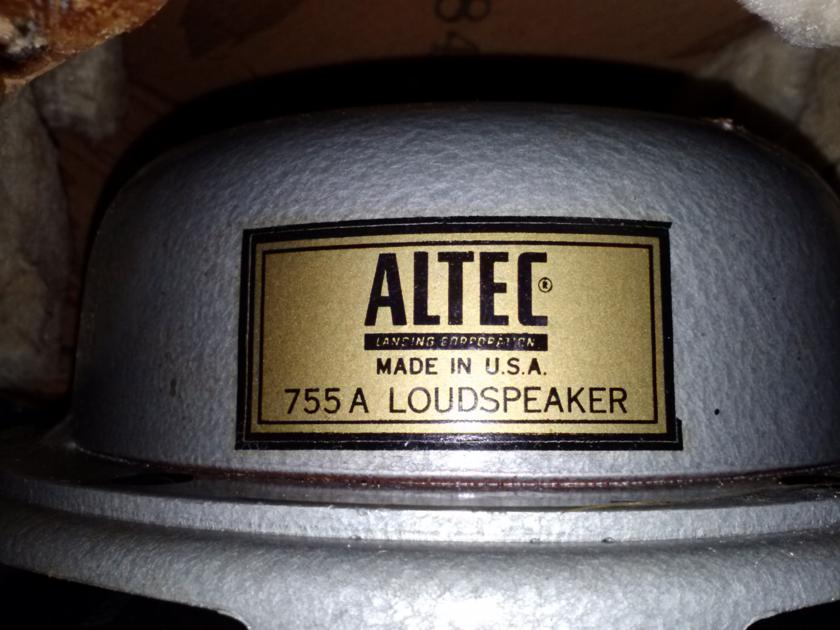 Acoustic Research AR-1 pair of speakers