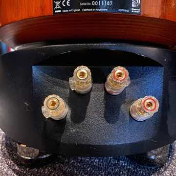 B&W (Bowers & Wilkins) 802D Diamond Rosenut spks: