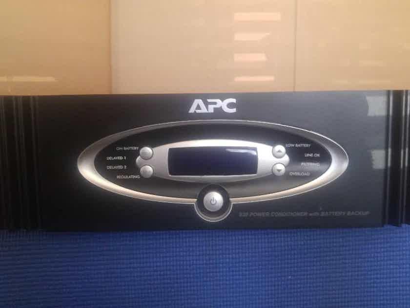 APC S20 Black  AC Power Conditioner