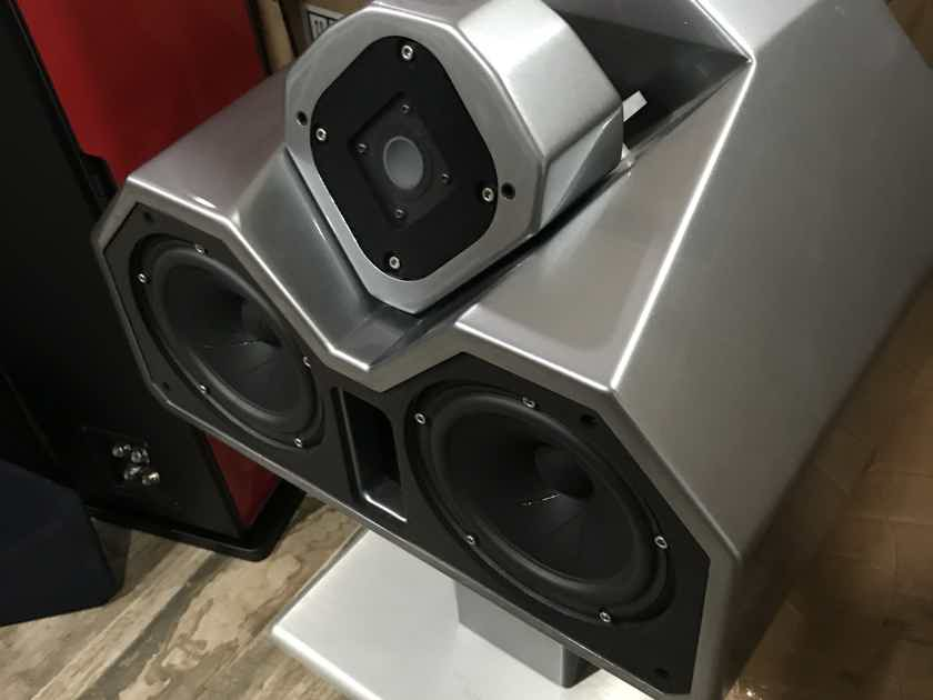 Electa Amator 2 >> Wilson Audio Watch Center 2 Grigio Titanio, 4 meter MIT Terminator 2 cable Inc. | Monitors ...