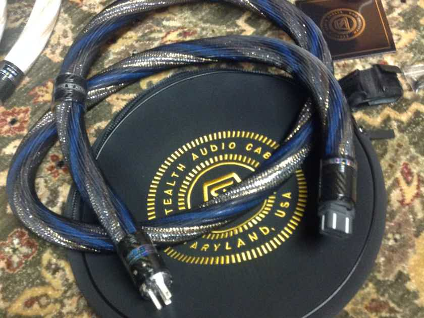 Stealth Audio Cables Dream V16 UNI 20-Amp AC Cable, 2.0 Meter.