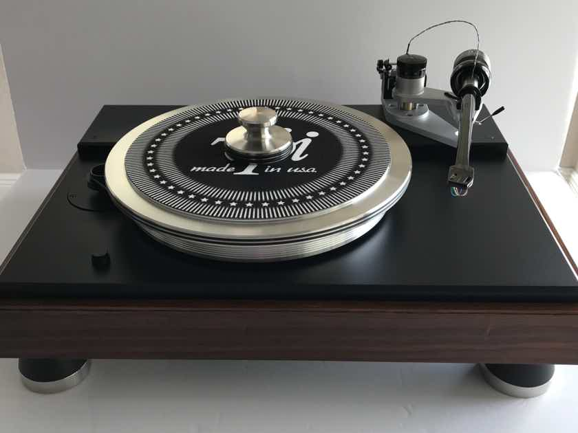 VPI Classic 4 Turntable in Rosewood finish with 12 1/2 inch Gimble Tonearm wired with Nordost Reference wire