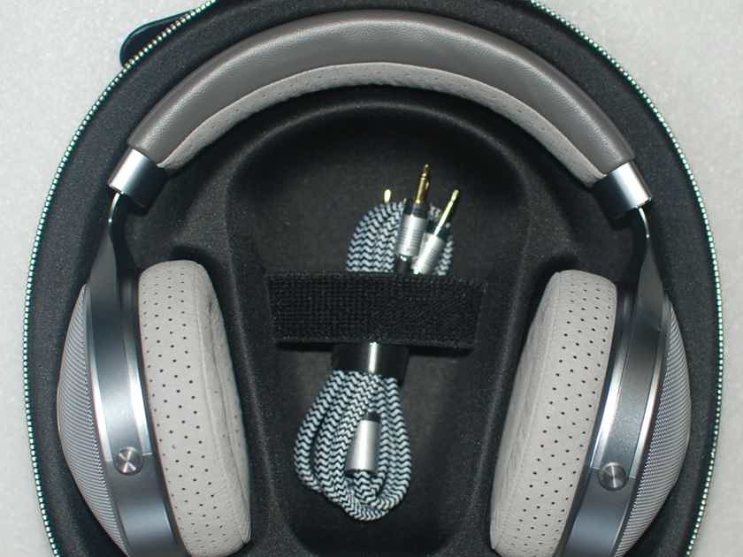 Focal CLEAR Headphones Open Box MInt Condition Free Shipping