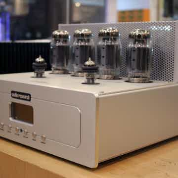 Audio Research VSi75 Integrated Amplifier (only 50 hour...