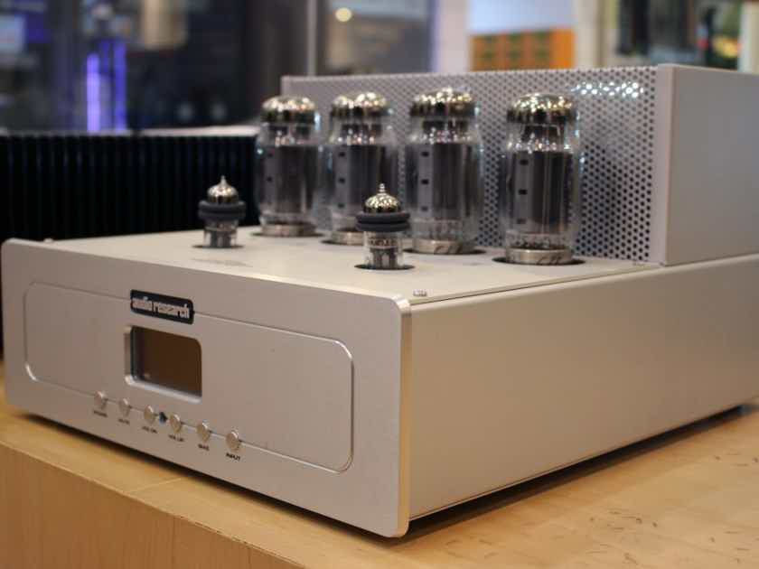 Audio Research VSi75 Integrated Amplifier (only 50 hours of tube time)