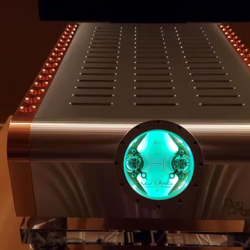 Dan D'Agostino Momentum S250 Power Amplifier