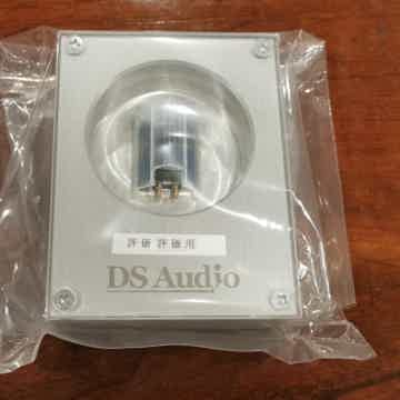 Optical Cartridge DS-W2 and Phono Equalizer DS-W2