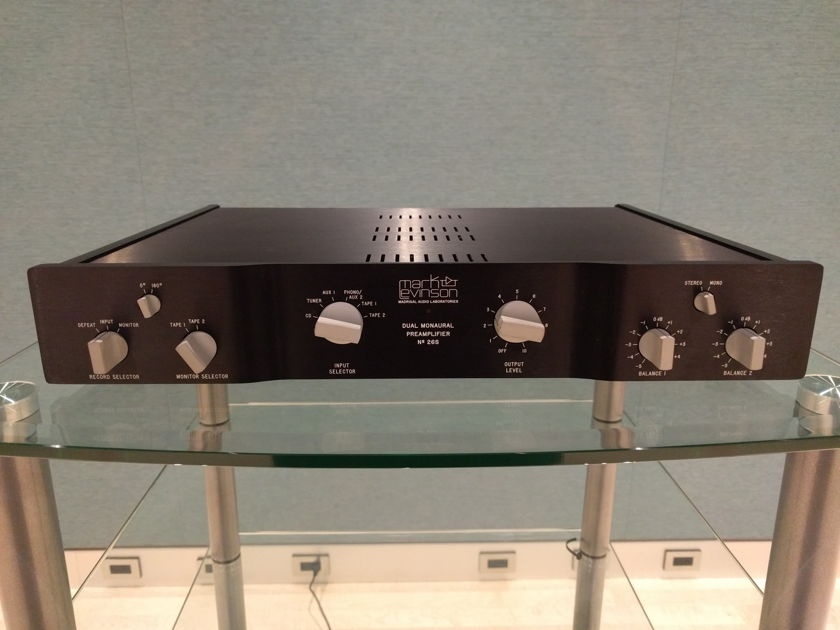 Mark Levinson N° 26s preamp Special Edition with Optional BAL input option and PLS-226 dual power supply. Teflon PCB's. Camac to RCA cables included.