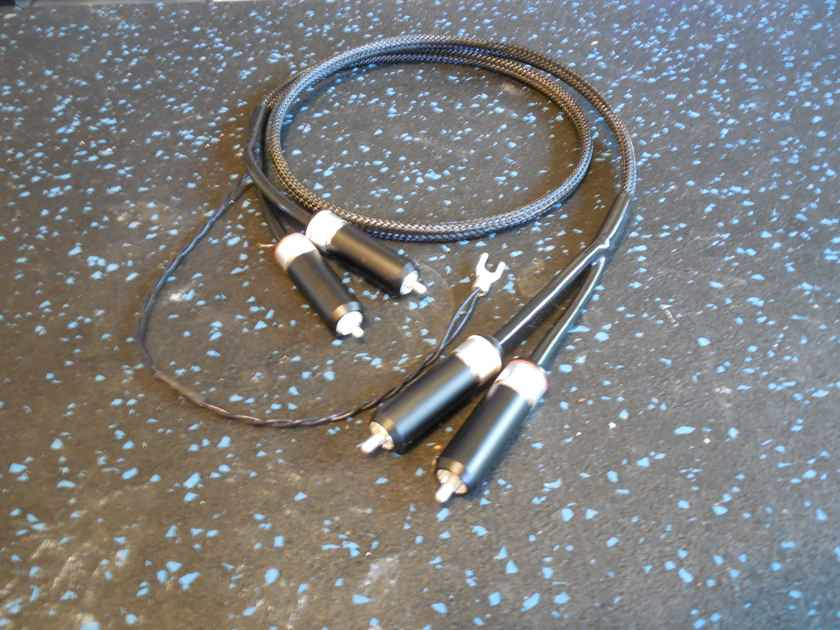 Black Shadow LYRE Silver Phono Cable