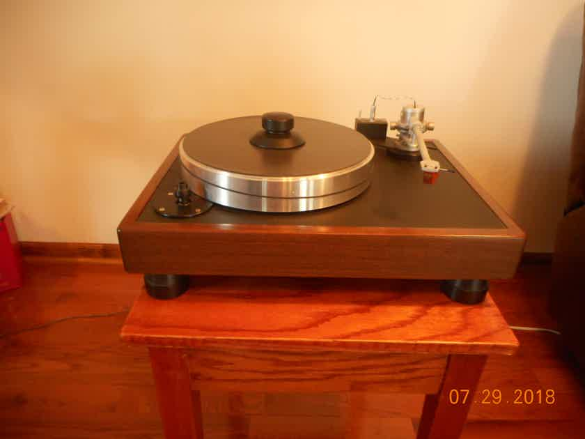 VPI VPI Classic 1 turn table with Benz Micro Wood-HS cartridge   Price reduced for quick sale