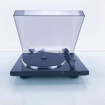 DP-300F Turntable (No Cartridge)