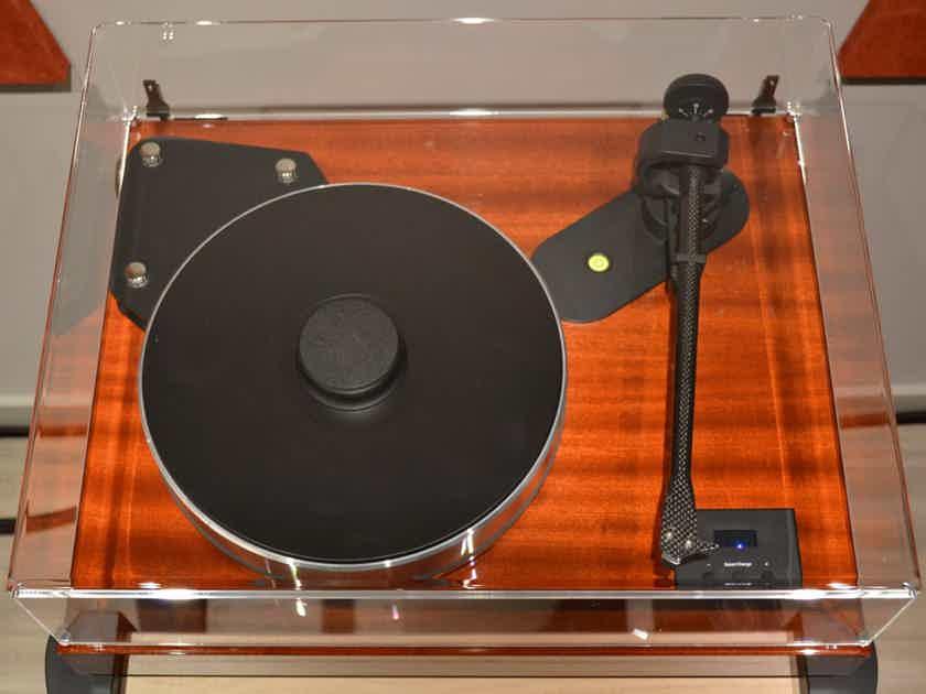 Pro-Ject Audio Systems Xtension 12 EVO w/ $4500 Palo Santos Presentation Cart.