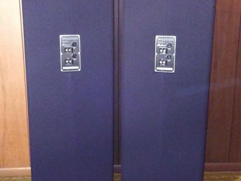 Vandersteen 3A Signature Floor standing speakers (black finish)