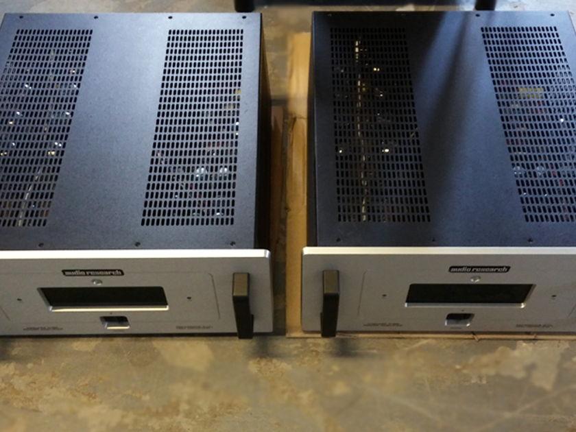Audio Research Ref 210 Monoblock Vacuum Tube Power Amplifiers DEMO (Finish: Nat. Silver)