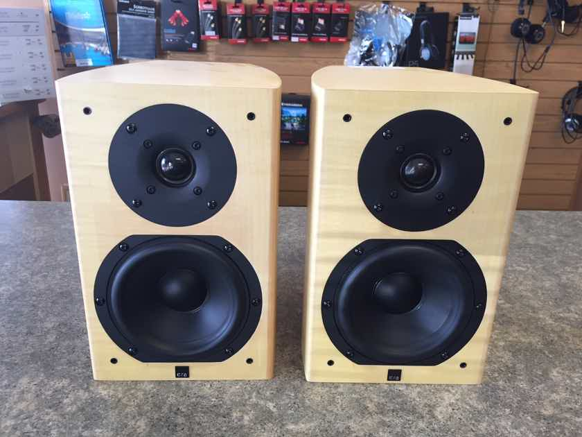 Era Speakers Design 5 Sycamore Finish.
