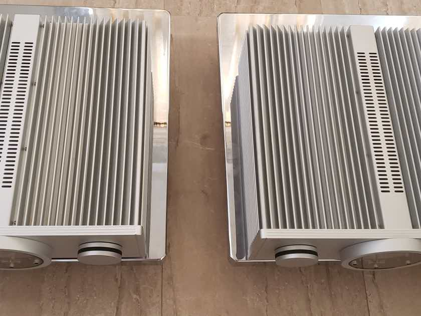 BMC M2  MONOBLOCK AMPLIFIER LIKE NEW ( REDUCE PRICE )