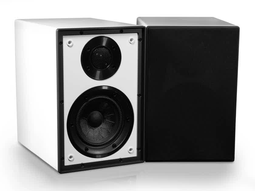 Cyrus ONE / QED Amp, Speakers and Cable Combo Deal