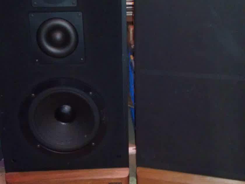 advent maestro 3 way speakers 2 pair 4 speakers full. Black Bedroom Furniture Sets. Home Design Ideas