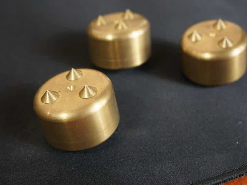Mapleshade Original Triplepoints Brass Footers Set of 3 Good Condition