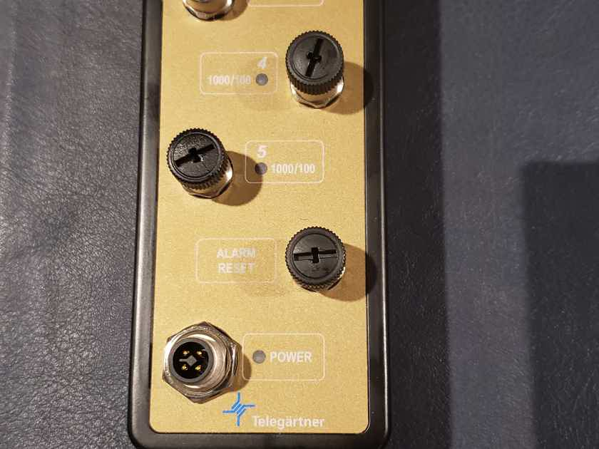 JCAT M12 switch gold