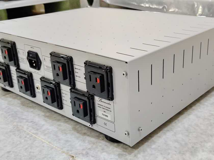 Burmester 948 power conditioner. Like New !! Voltage : 230 volts . Free worldwide shipping!