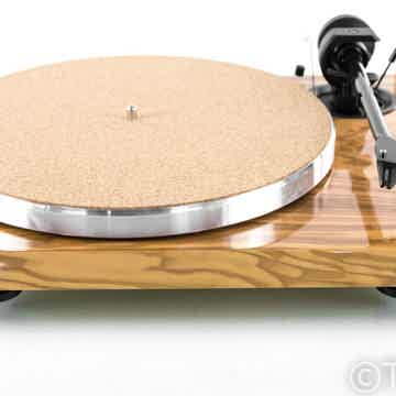 Pro-Ject 1 Xpression Carbon Classic Turntable
