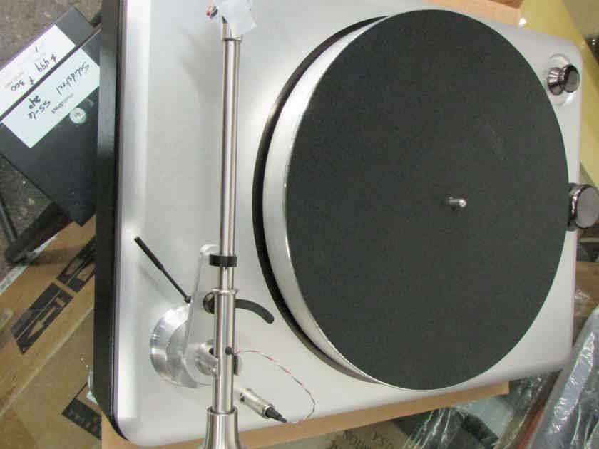Shinola The Runwell Turntable Black/Silver