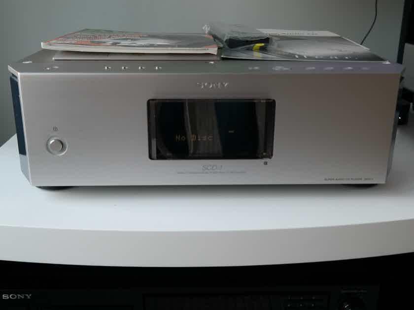 Sony SCD-1 SONY SCD-1 - McIntosh , Audio Research Quality 48 lbs