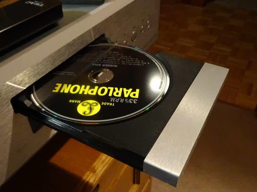 Teac CD-1000 SACD Esoteric trickle down! Best sacd deal on site!!