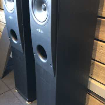KEF Reference Model Two