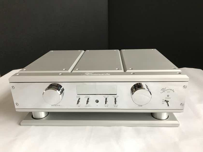 Burmester 077 Preamplifier with Reference Power Supply