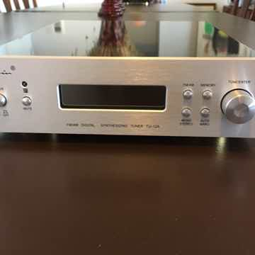 Cayin Audio USA Tu-12A FM/AM Tuner