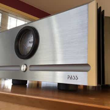 Pass Labs X250.8 Amplifier > 250 watt / 500 watt > MSRP...