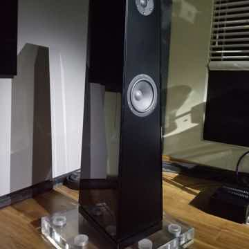 Duos Speakers, by Voce Audio -- The Ultimate Vocal Spea...