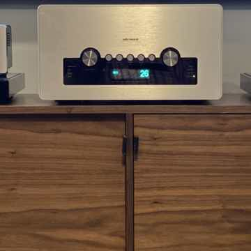 Audio Research GSi75 Tube Integrated