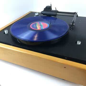 Goldmund Studio Turntable with Eminent Technologies Lin...