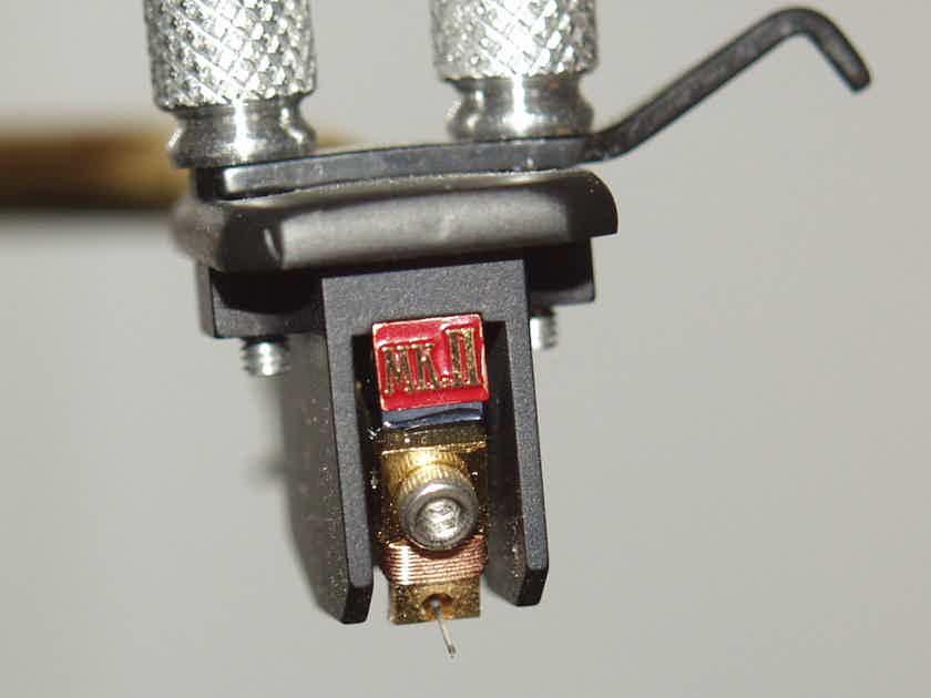 Dynavector XX-2 MKII Cartridge 782 Hours Original Owner
