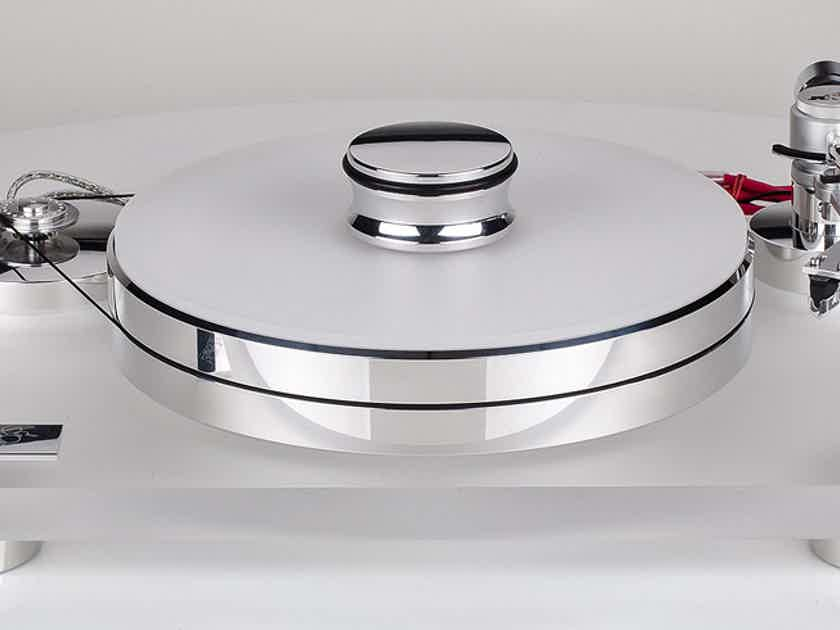 The stunning Transrotor Rossini turntable with FREE tonearm and cartridge at HIGH-END PALACE