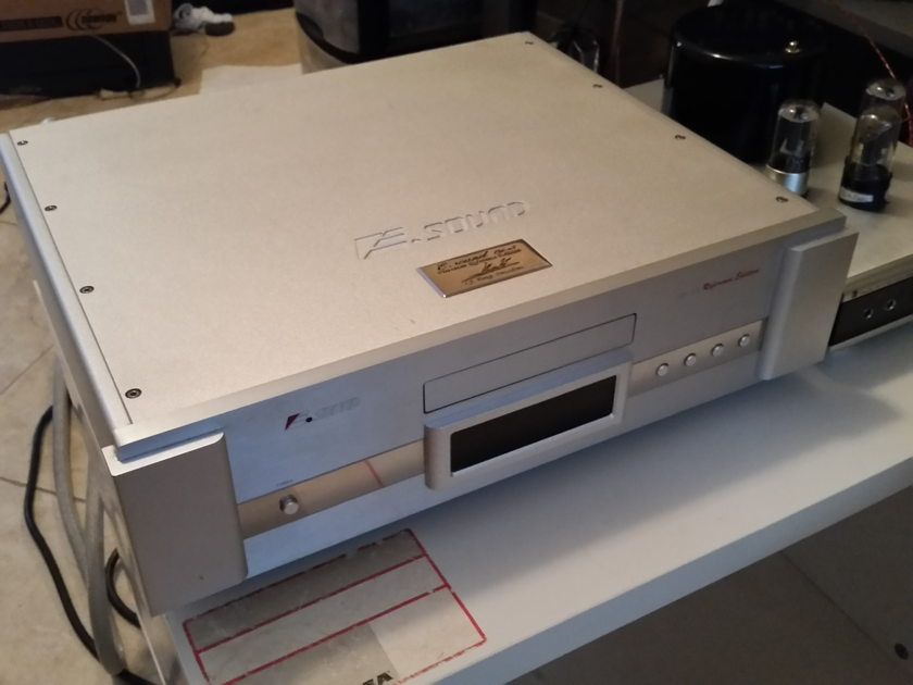 Esound ESO-SRS-101 E5 Platinum Reference cd player SOLD!