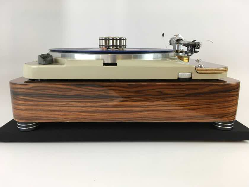 """Thorens TD-124 Legendary Turntable in Rosewood Plinth and """"NEW"""" SME3009"""