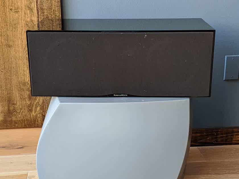 B&W CMC2 Center Channel Speaker in Black Gloss Finish