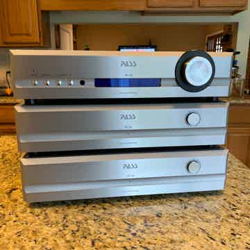 Pass Labs XP-30  Stereophile Super Well Regarded and Re...
