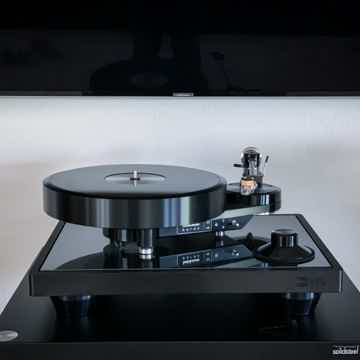 2 week old Brinkmann Audio Bardo Turntable with HRS iso...