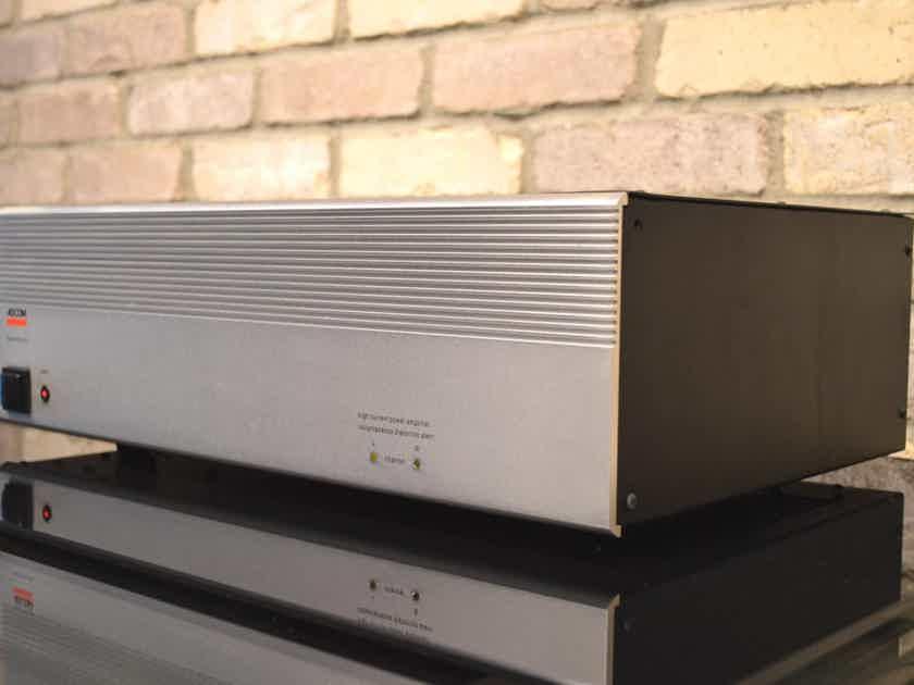 Adcom GFA-545 Stereo Power Amplifier - 100W / 200W Per Channel