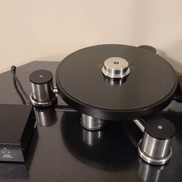 Avid Diva Turntable with Clearaudio RB300 Tonearm.