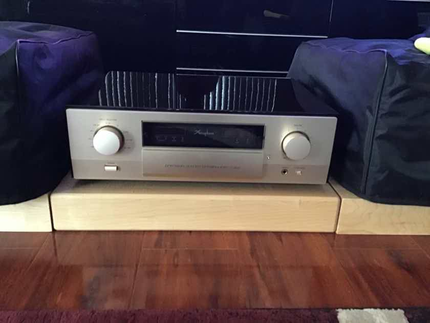 Wanted to buy: Accuphase C-2810 or C-2850 solid state preamp 120v US
